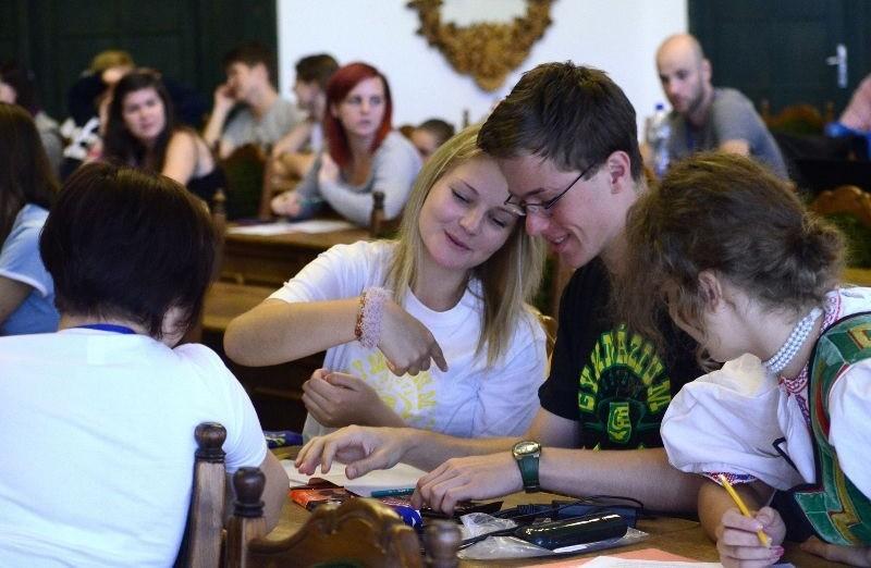 A visegrádi országok diákjai táboroznak Lakiteleken