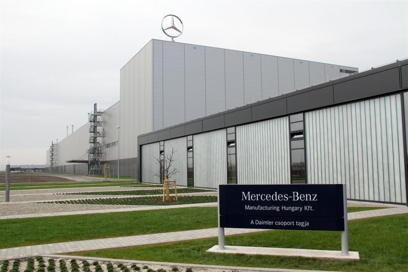 Bérmegállapodás született a Mercedes-gyárban