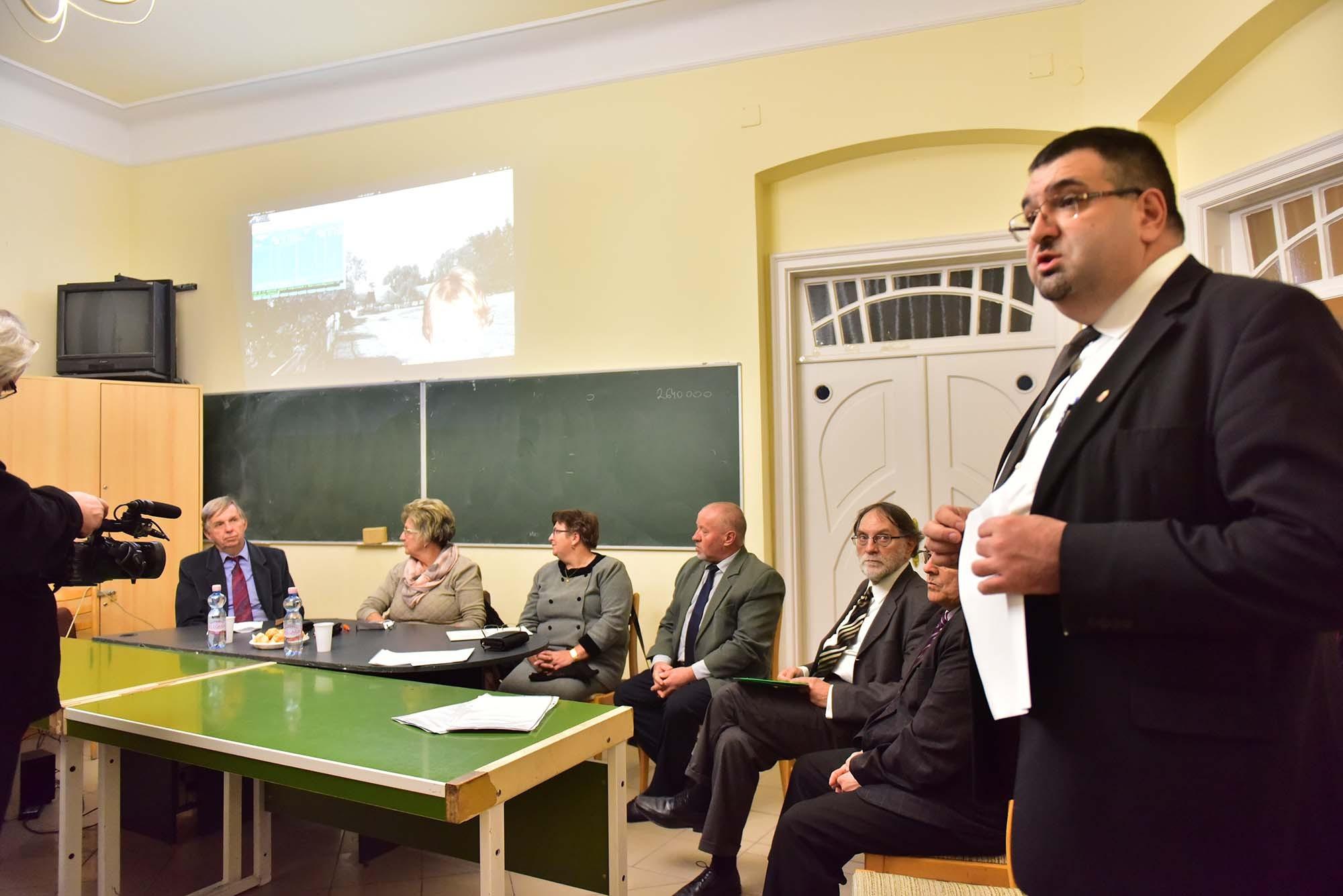 A dávodi templom felújítására is gyűjt a Bács-Kisun Megyei KDNP