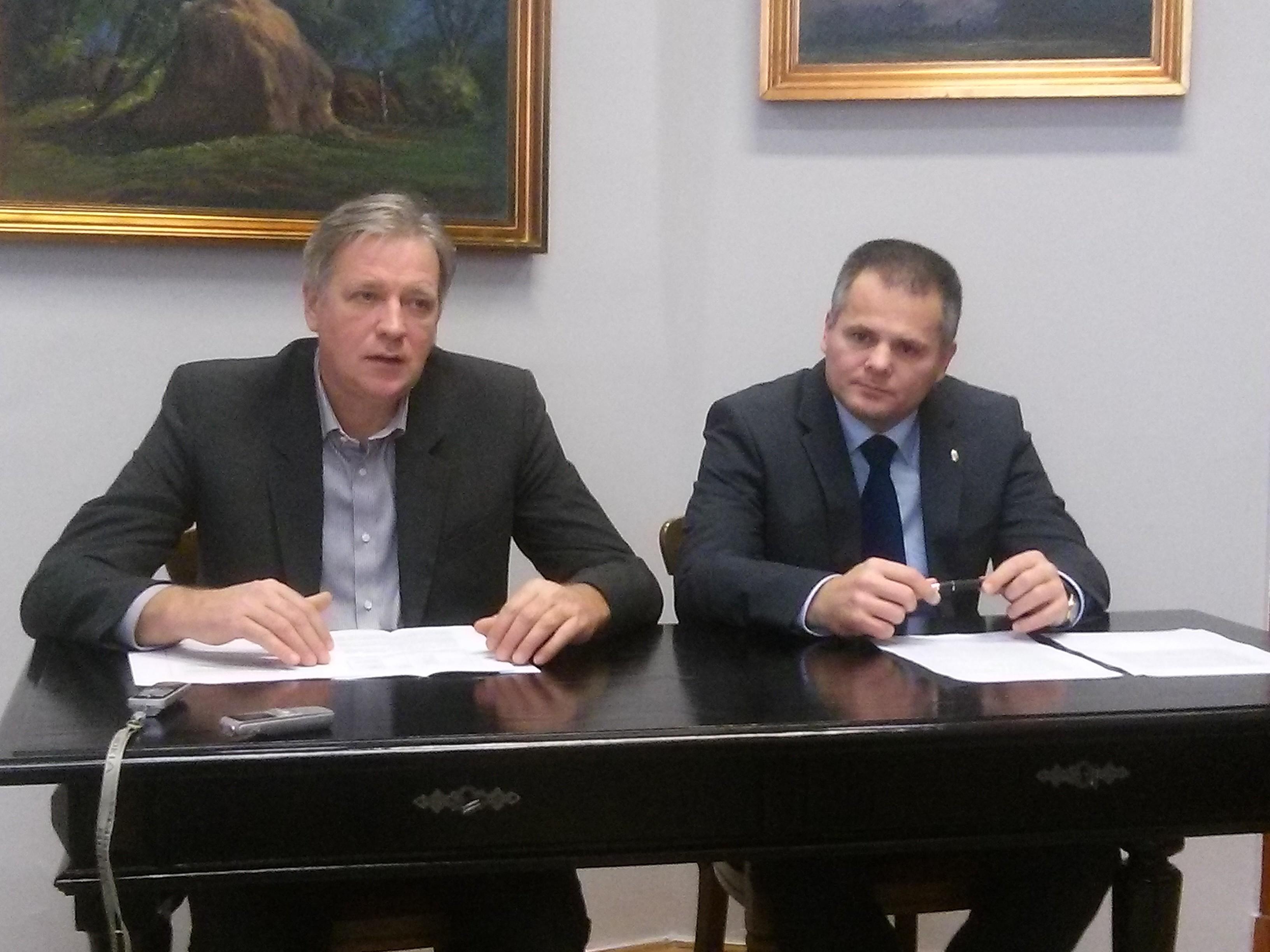 Dr. Salacz László és Dr. Zombor Gábor tájékoztatása a béremelés és adócsökkentés fejleményeiről