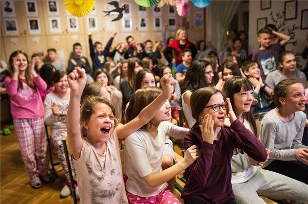 Hatalmas siker a magyar kultúrának – Oscar-díjat nyert a Mindenki című rövidfilm
