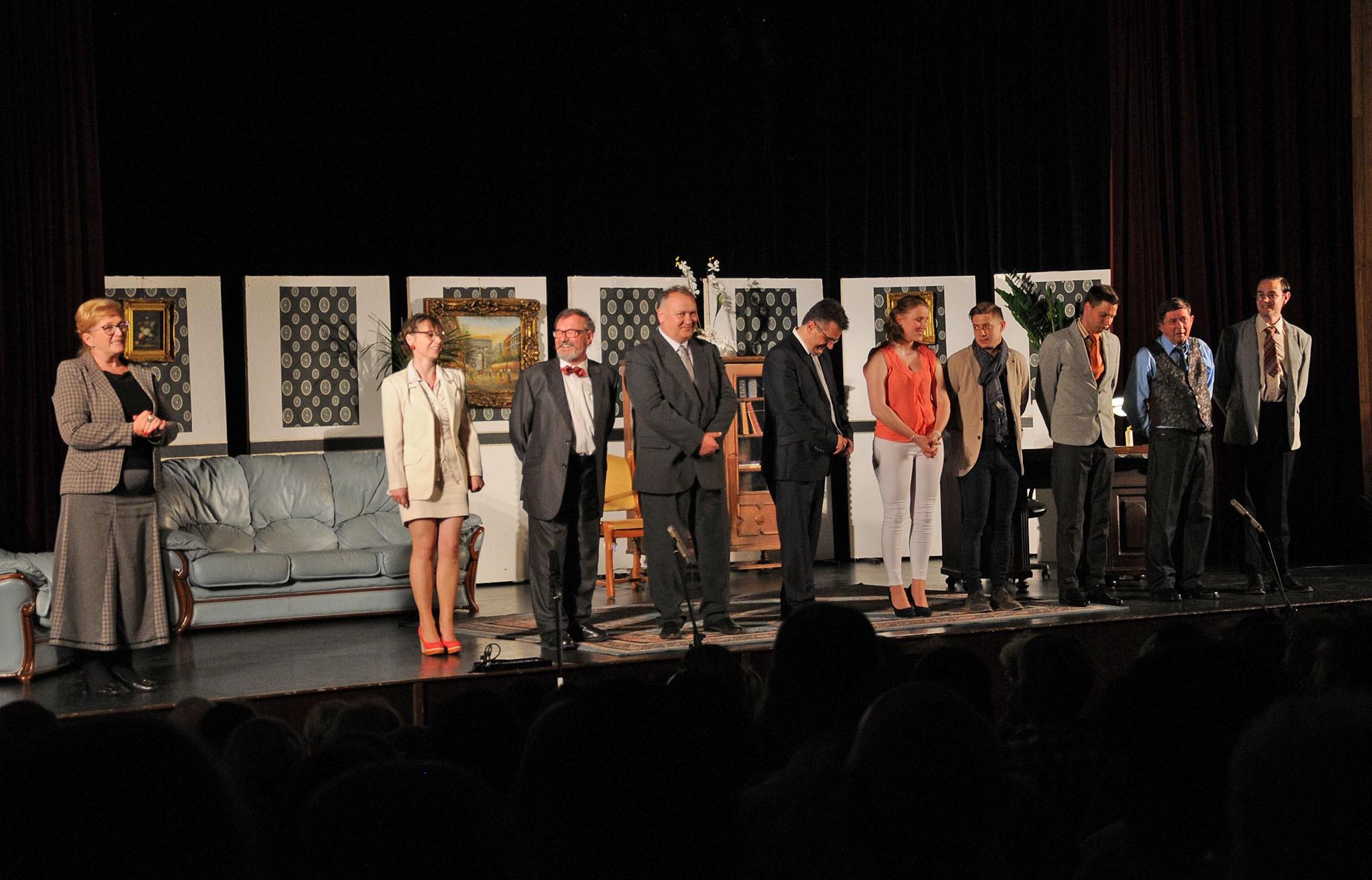 Szomorú politikai színdarabbal kezdődött a Kiskőrösi Rétesfesztivál