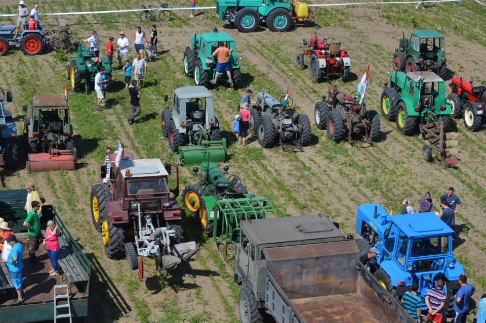 Ismét Kiskőrösön találkoznak a traktorlegendák