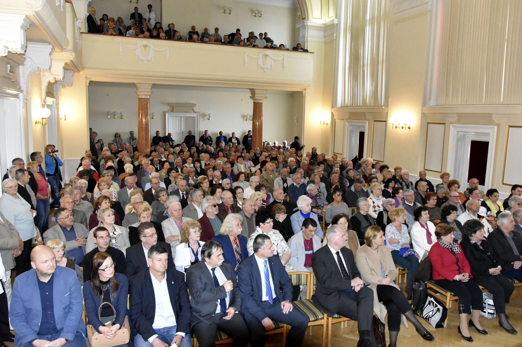 Óriási az érdeklődés Kecskeméten a Nemzeti Konzultációs fórum iránt