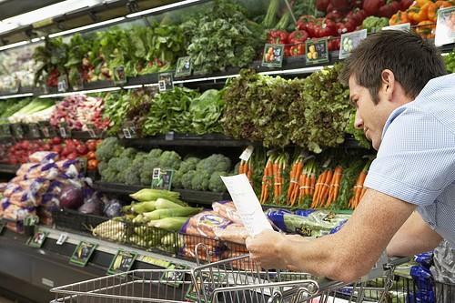 A vásárlói tudatosság segíthet a gyengébb minőségű élelmiszerek visszaszorításában