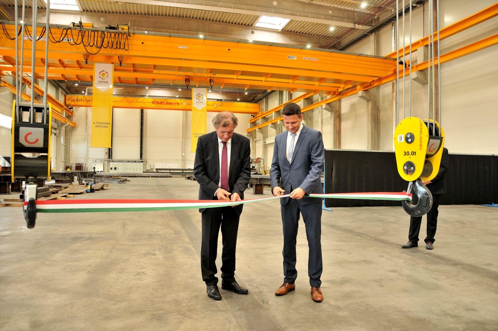 Új hegesztő-gyártócsarnokkal bővült a kecskeméti acélszerkezet-gyár