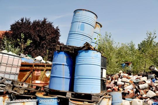 Mi történt a kiskunhalasi elhagyatott veszélyes hulladékkal?