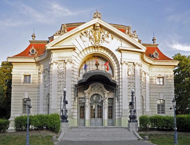 Évadot hirdetett a kecskeméti Katona József Színház