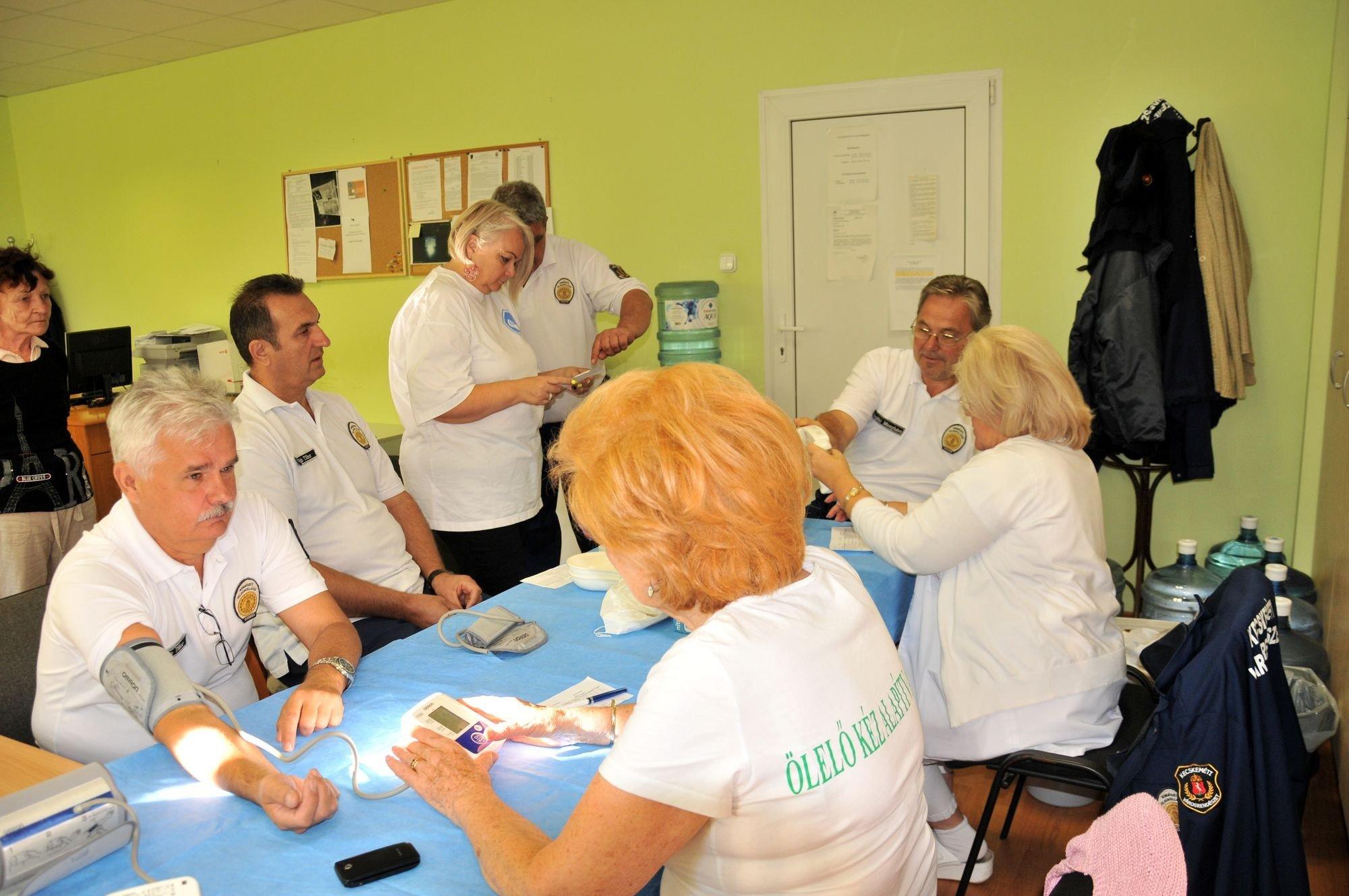 Az Ölelő Kéz Alapítvány segít a dolgozók egészségügyi vizsgálatában
