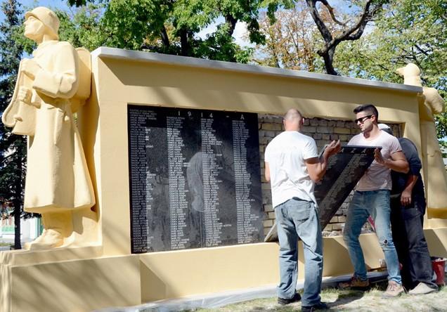 Felújítják Kiskunmajsa első világháborús emlékművét