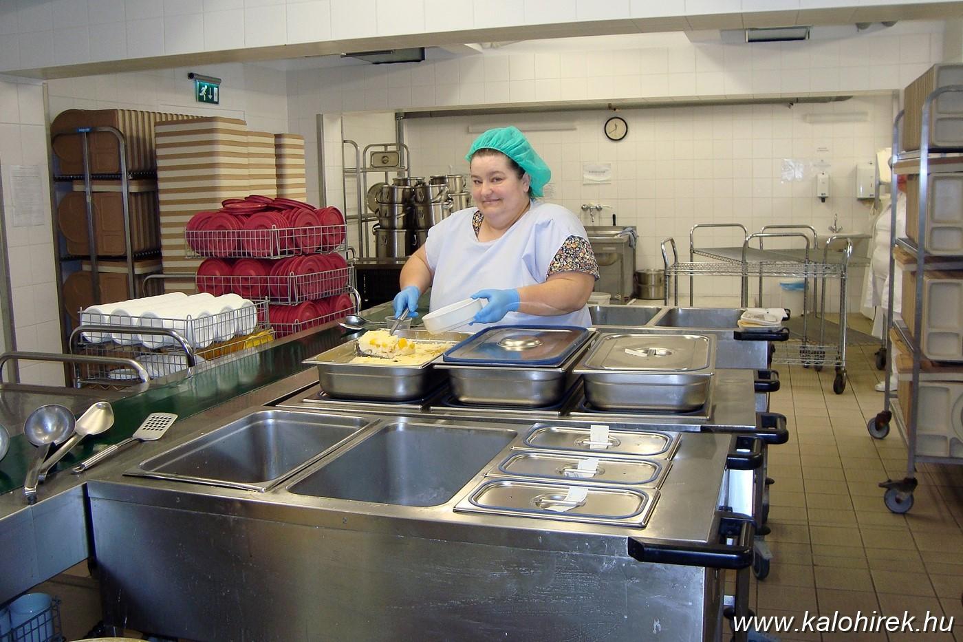 Jelentősen javult a kalocsai Szent Kereszt Kórház betegétkeztetése