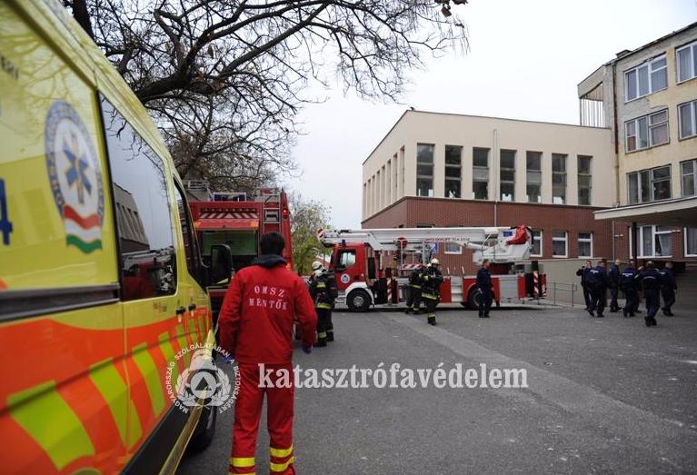 Tűzoltók gyakorlatoztak a kalocsai kórházban