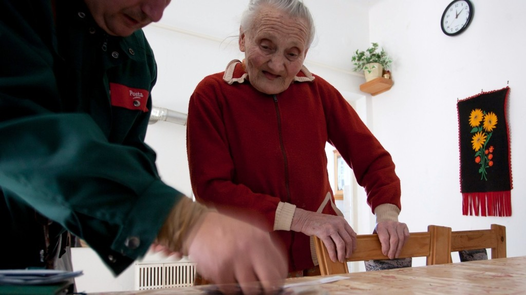 Kezdődik a prémiummal és korrekcióval emelt nyugdíjak kifizetése