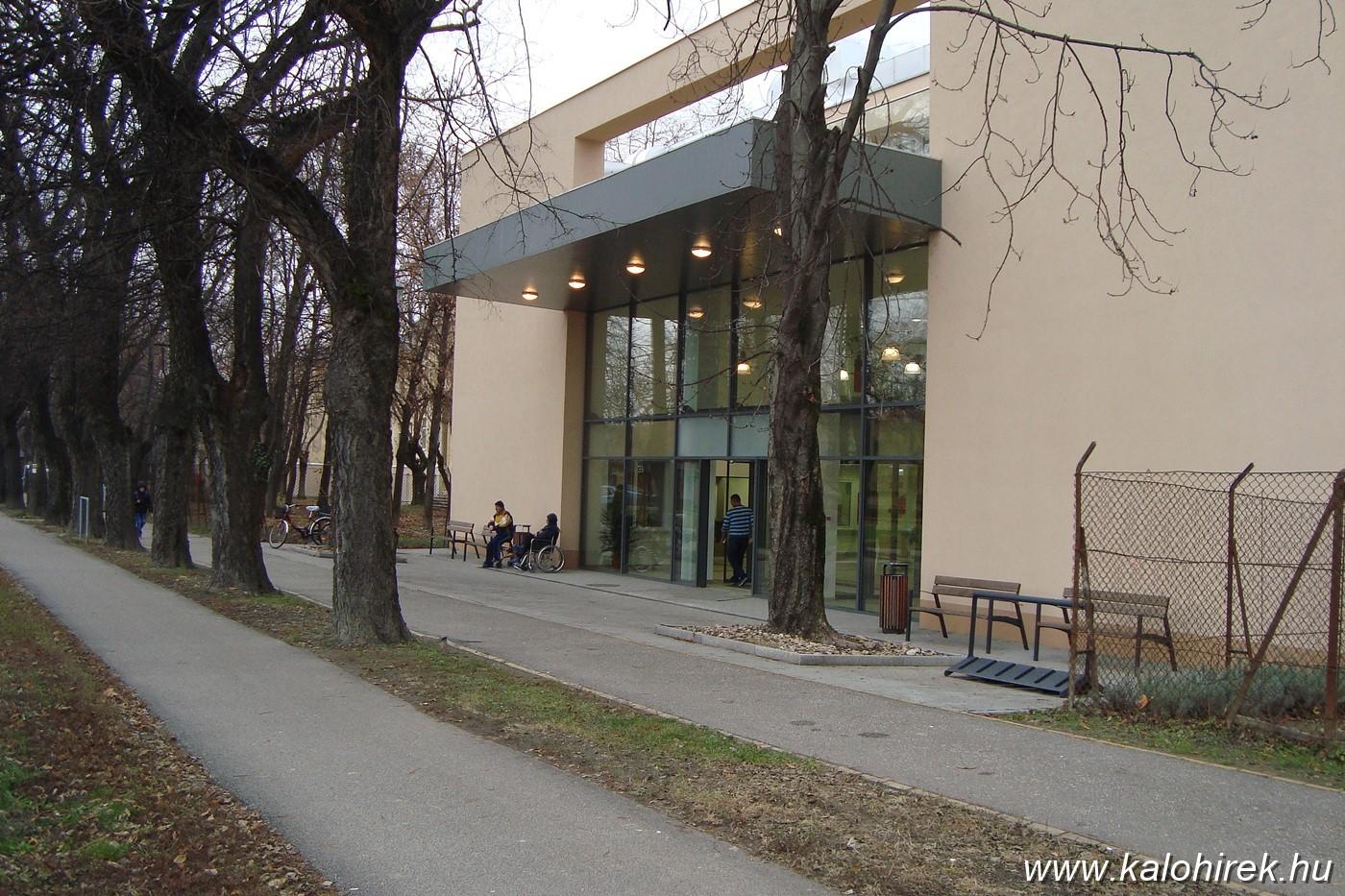 Új helyükre költöztek a kórházi osztályok és szakrendelők Kalocsán