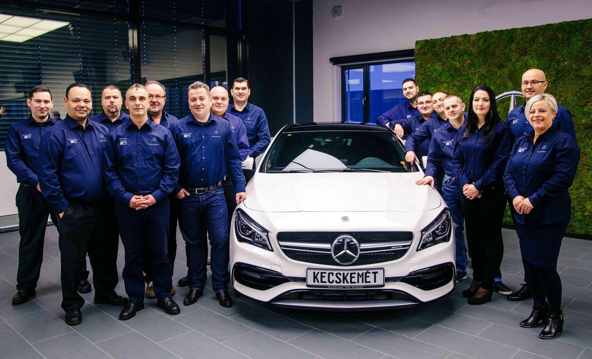 Diplomát kaptak a Mercedes-Benz művezetői