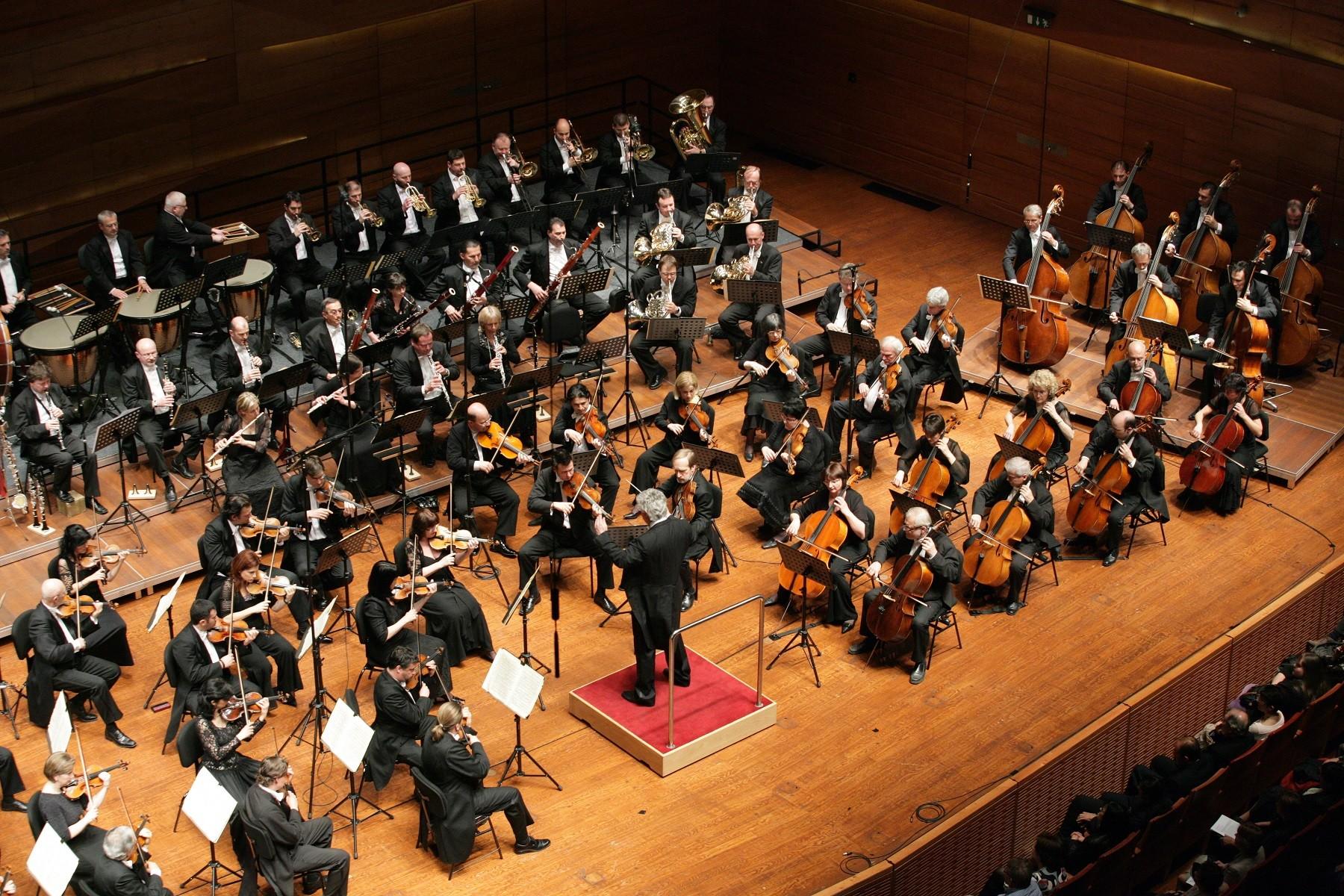 Berkes Kálmán vezényli hétvégén a Nemzeti Filharmonikus Zenekart