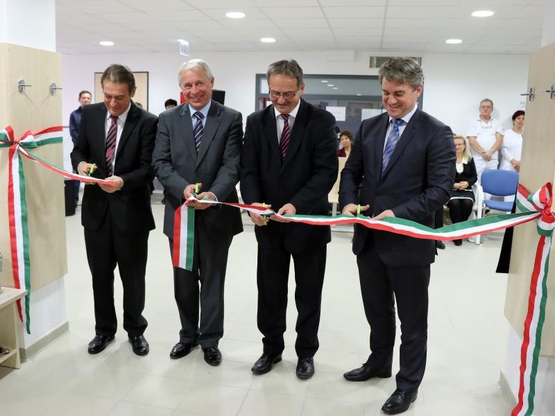 Ünnepélyesen felavatták a Kalocsai Szent Kereszt Kórház új épületszárnyát – újabb 3 milliárdos fejlesztés valósulhat meg
