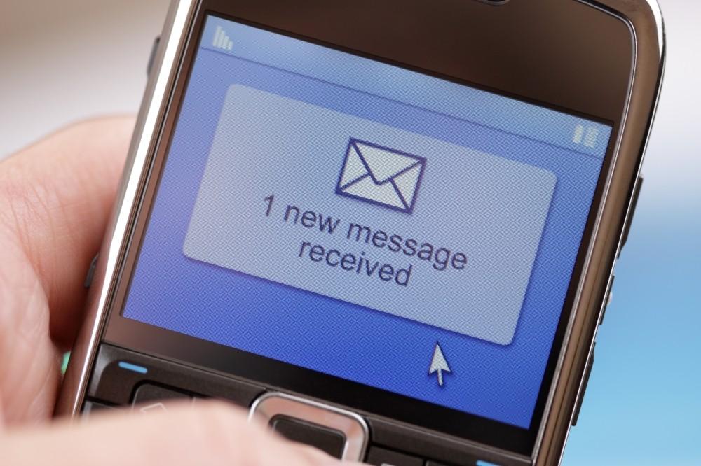 Huszonöt éve küldték el az első sms-t