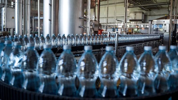 Kiemelkedően jó évet zárt a Szentkirályi-Kékkúti Ásványvíz Kft.: rekordot döntött az értékesítés