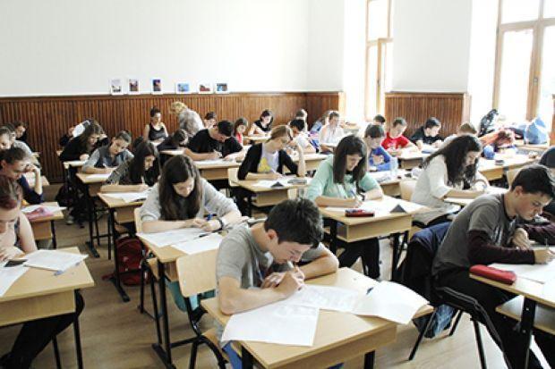 Kecskeméten ingyen próba-érettségizhetnek a diákok