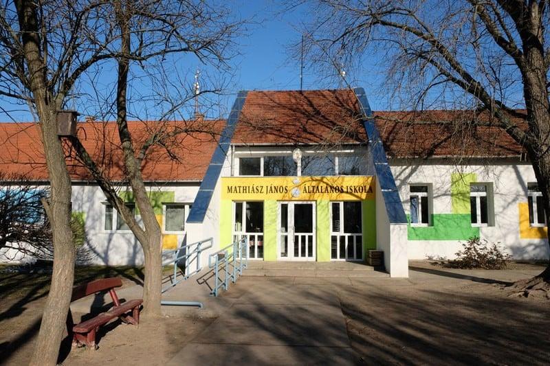 Befejeződött a Kecskeméti Corvin Mátyás Általános Iskola Mathiász János Általános Iskolájának energetikai korszerűsítése