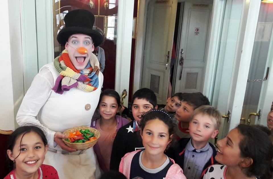Több mint 400 gyermeket látott vendégül a kecskeméti Katona József Színháztársulata