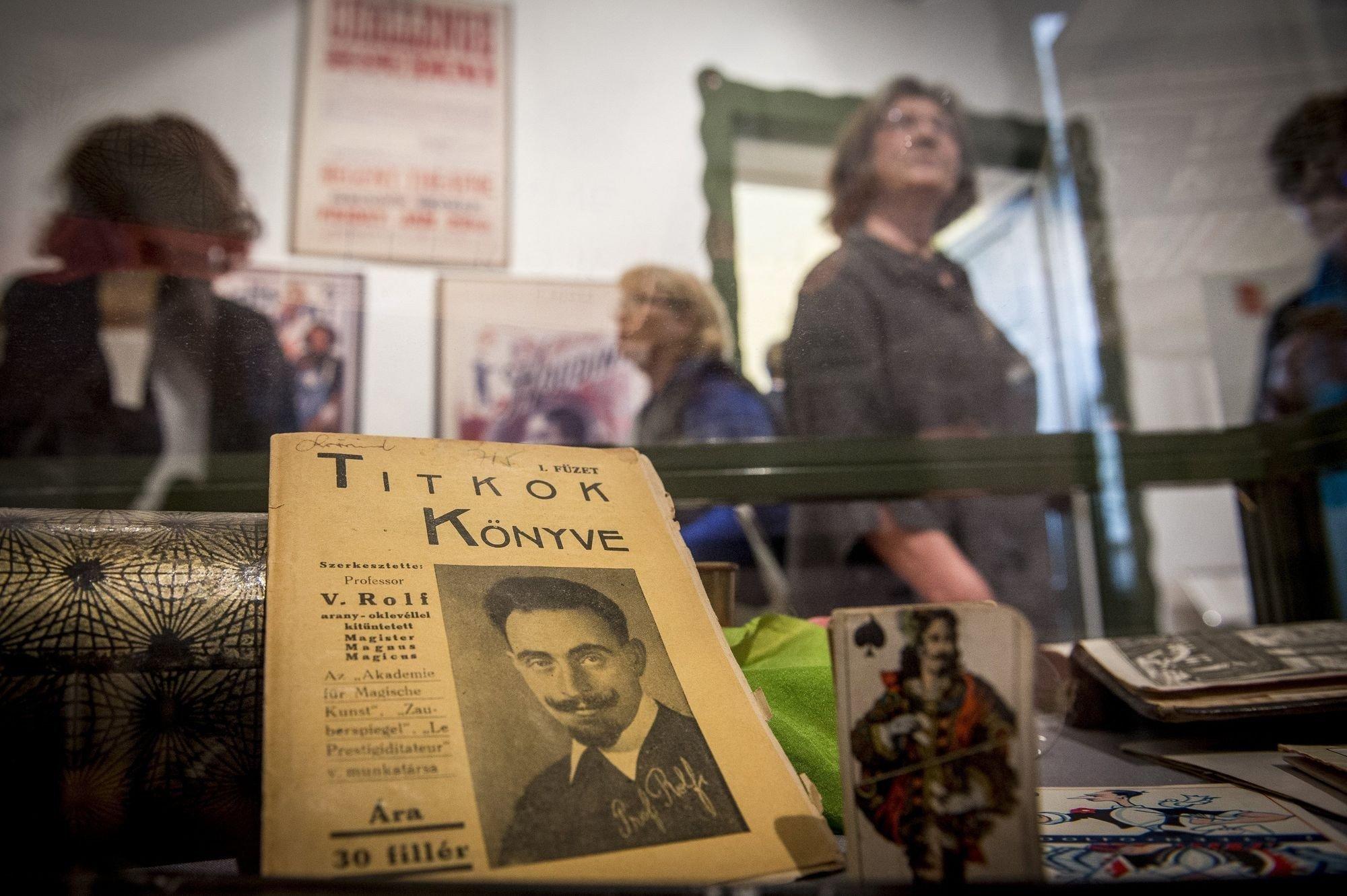 A Holokauszt Emlékközpont vándorkiállítása nyílt meg a Cifrapalotában