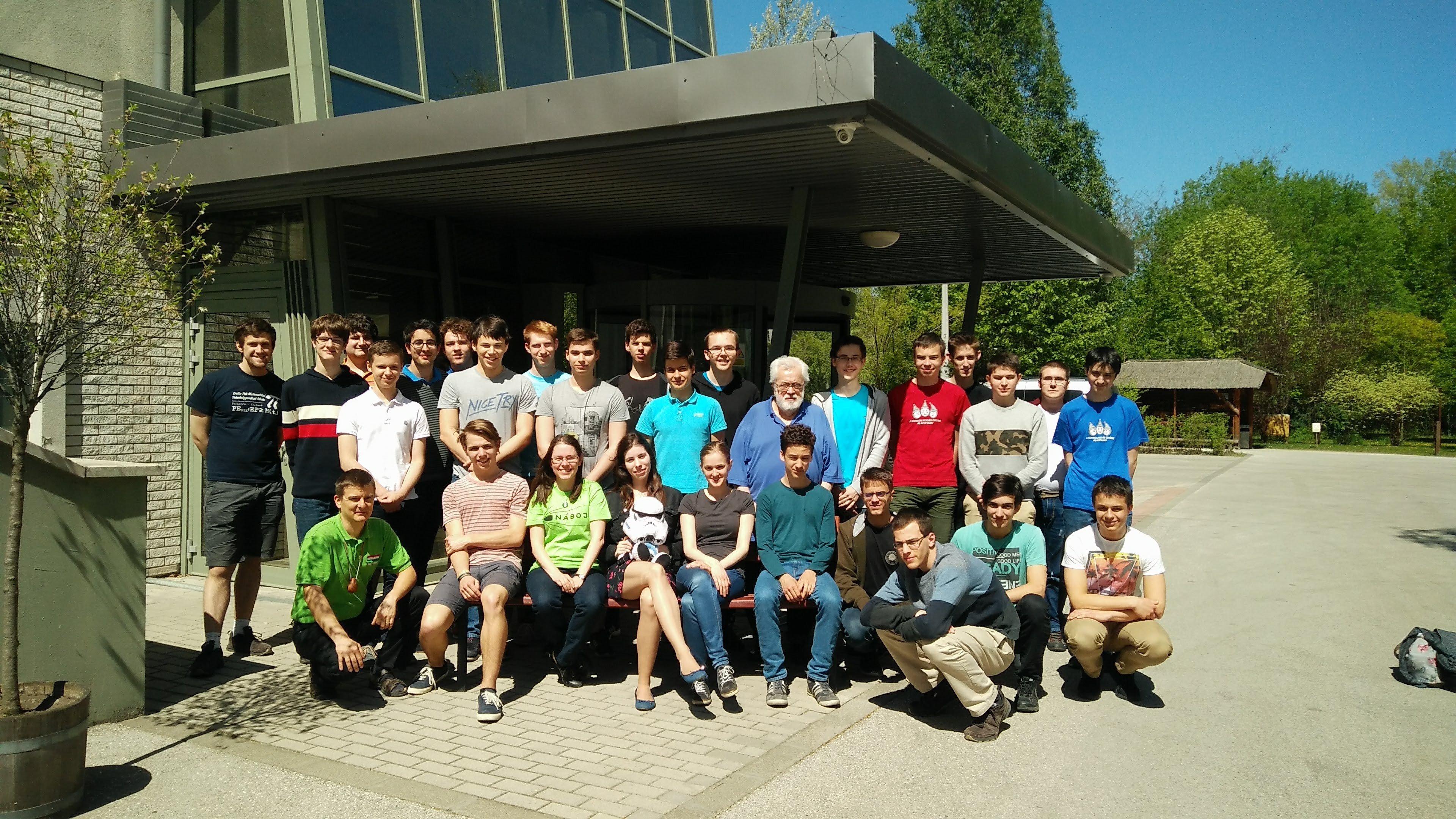 Diákolimpiai válogatót rendeztek a Neumann János Egyetemen
