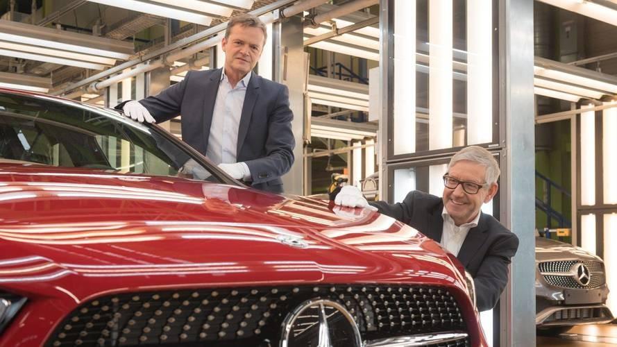 Furcsa hangutasítással indult az új Mercedes A-osztály Rastattból Kecskemétre
