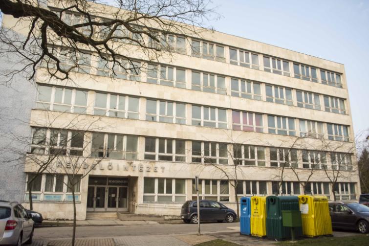 Újra a gyógyítás szolgálatába áll Kiskunfélegyházán a régi SZTK épület