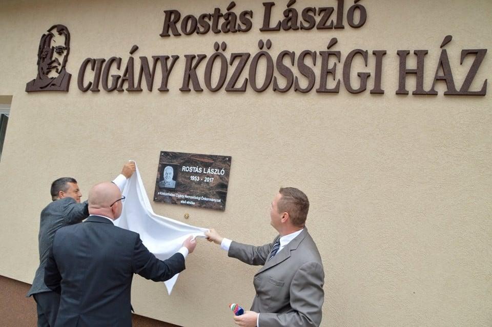 Átadták a felújított Cigány Közösségi Házat Kiskunhalason