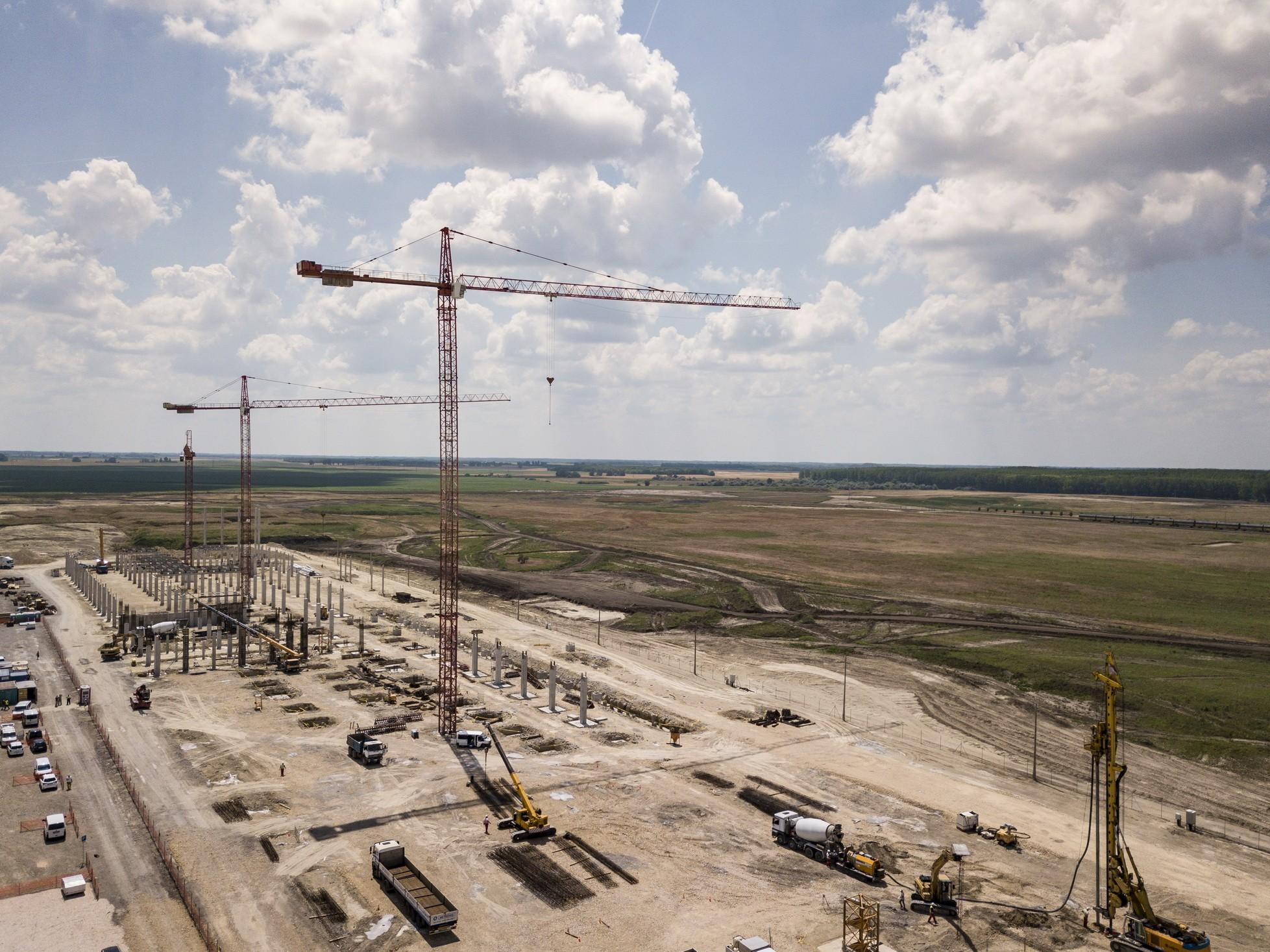 Elrajtolt a Mercedes második kecskeméti gyárának az építése
