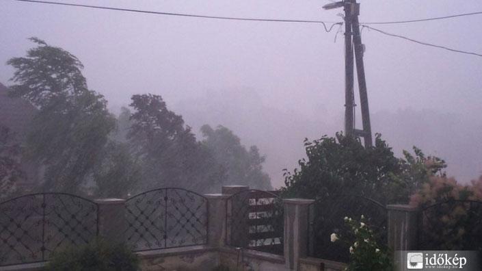 Tömeges üzemzavart okozott a vihar
