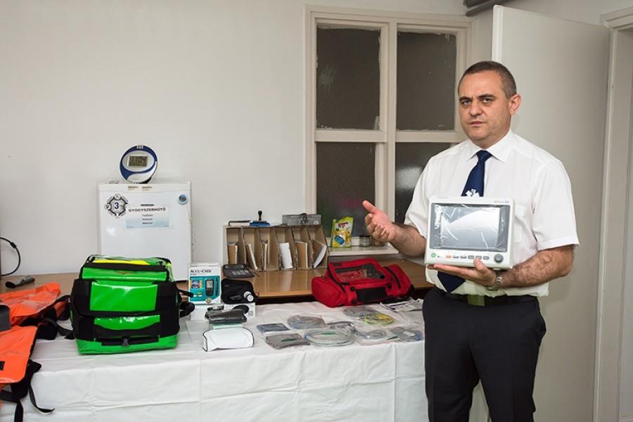 Értékes gyógyászati eszközökkel gyarapodott a bajai mentőszolgálat készlete