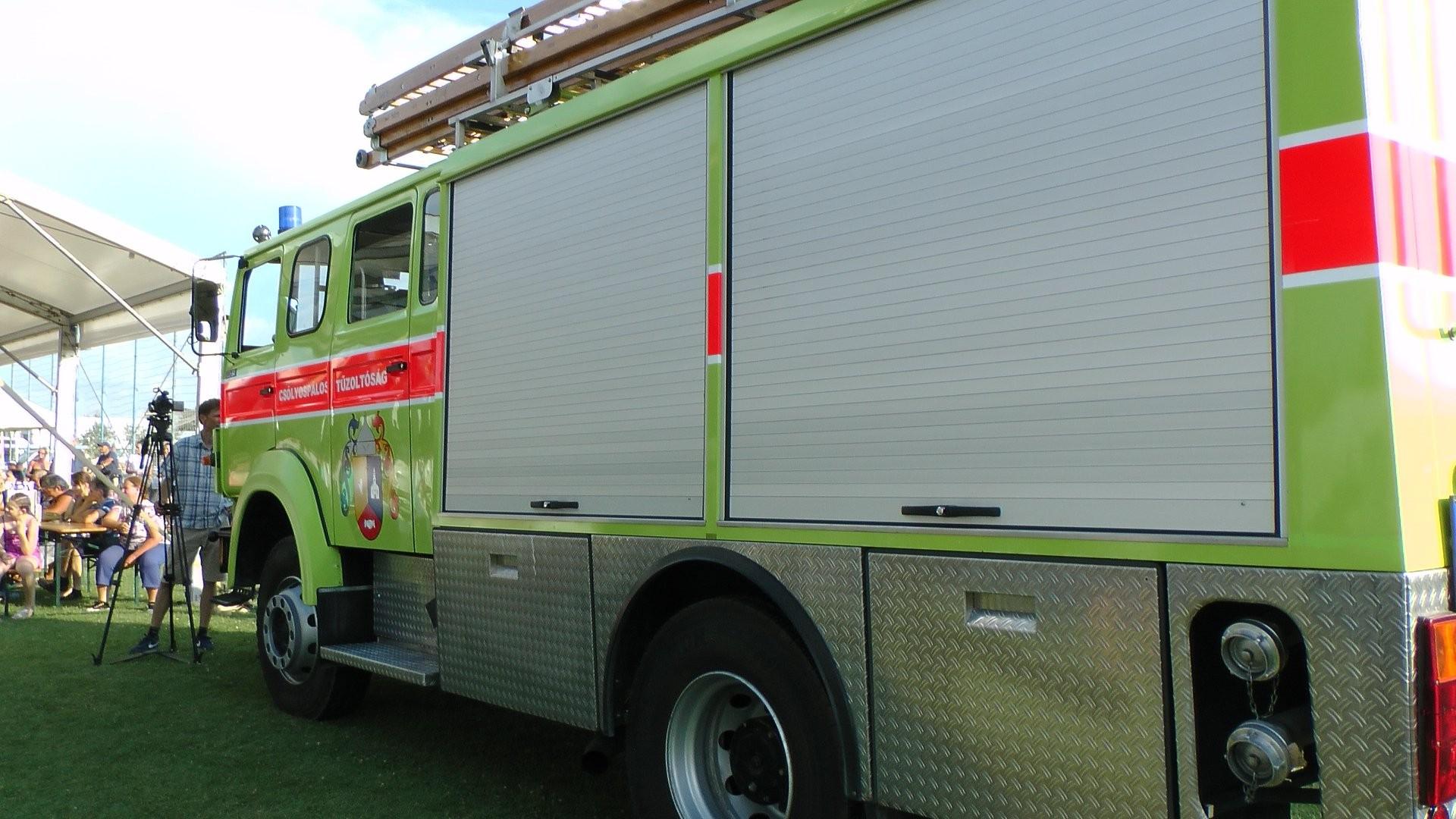 Megkezdte szolgálatát az új tűzoltóautó Csólyospáloson