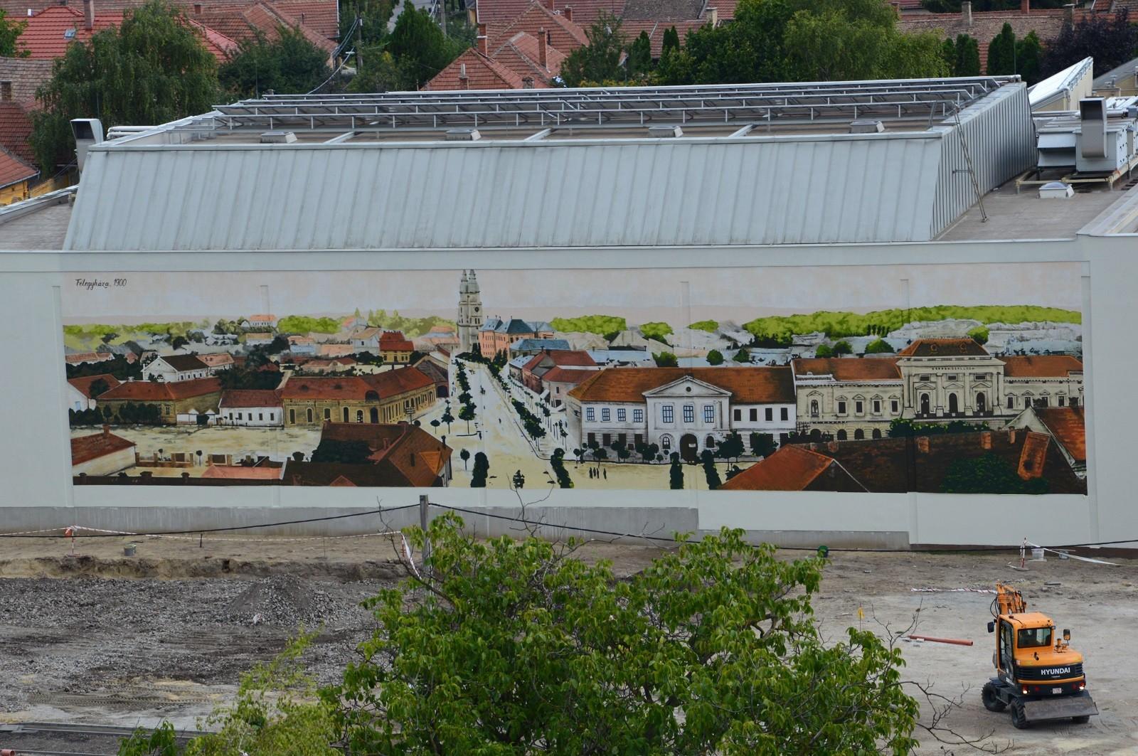 Elkészült a félegyházi falfestmény