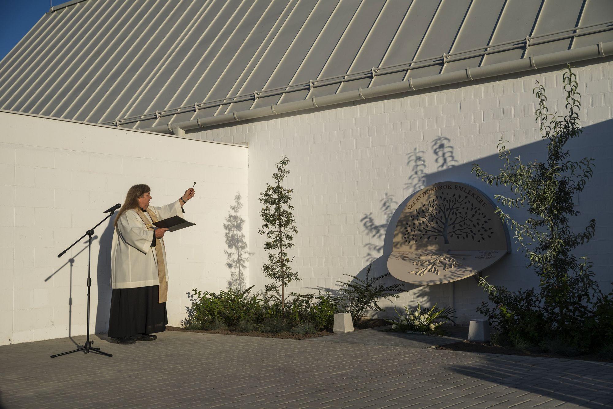 Szervdonorok tiszteletére állítottak emlékművet Kiskunfélegyházán