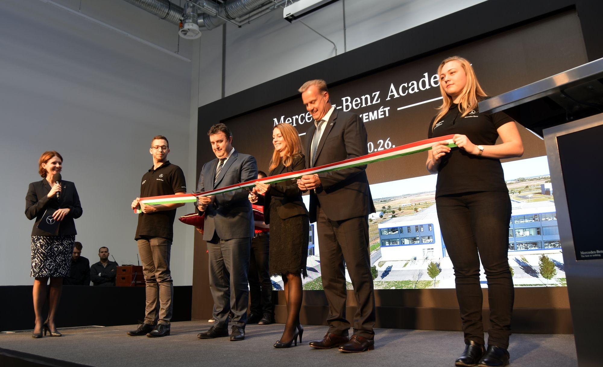 Megnyílt a Mercedes Akadémiája