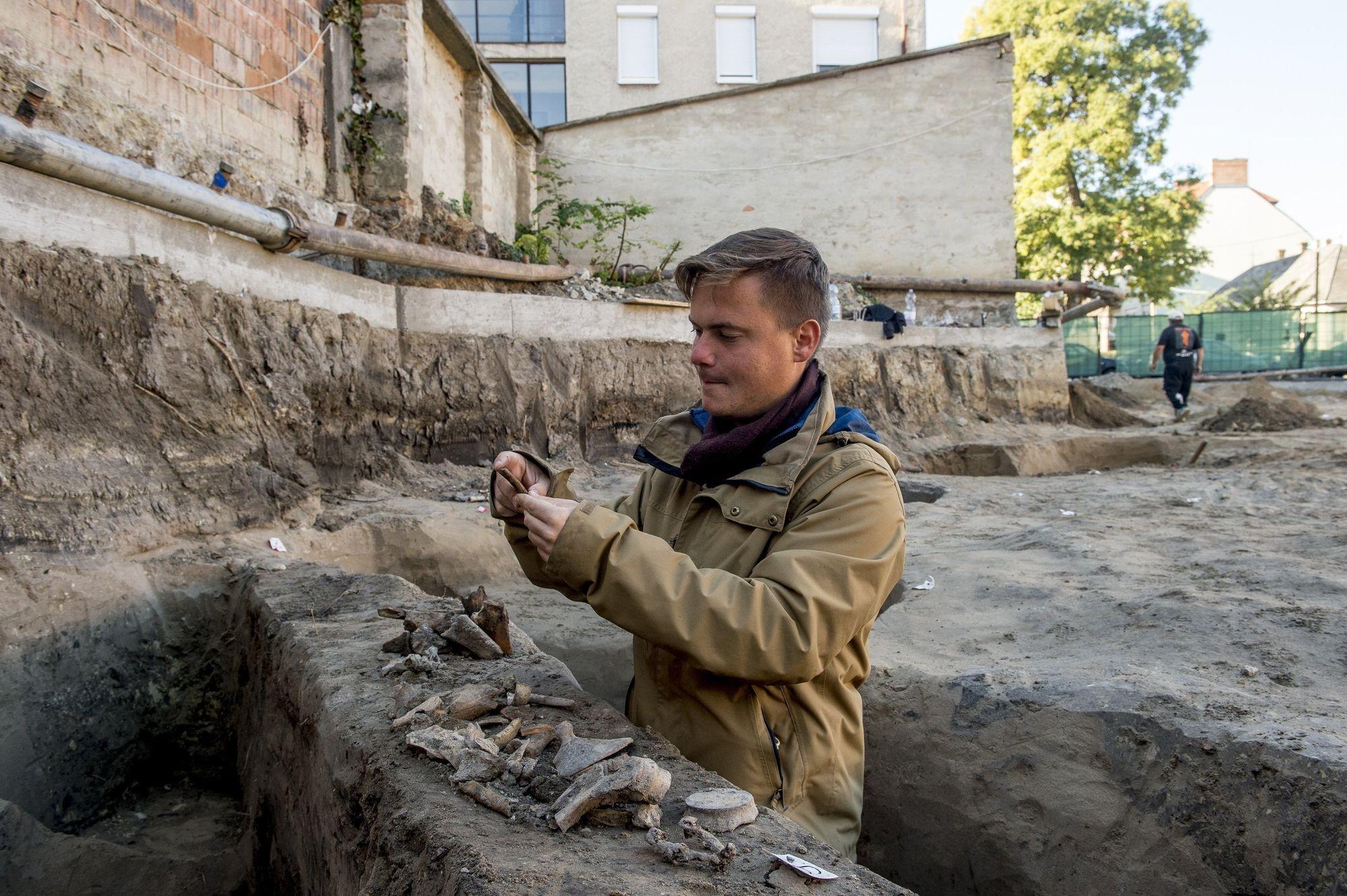 Középkori leletekre bukkantak egy kecskeméti feltáráson