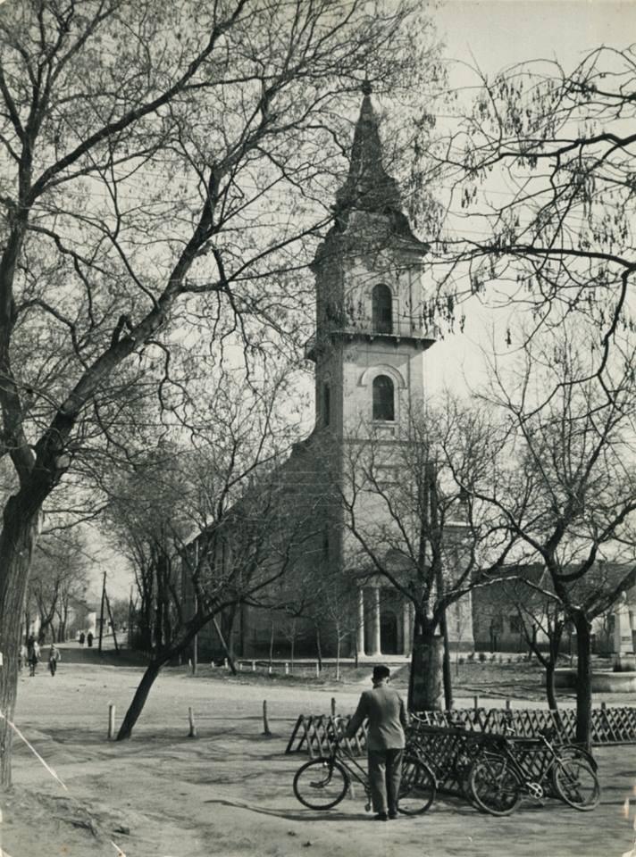 A kunszentmiklósi templom az 1960-as években