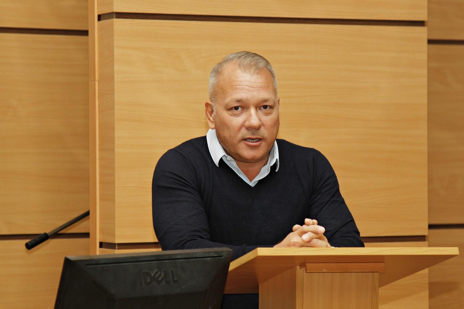 Balogh Levente tartott előadást a Neumann János Egyetemen