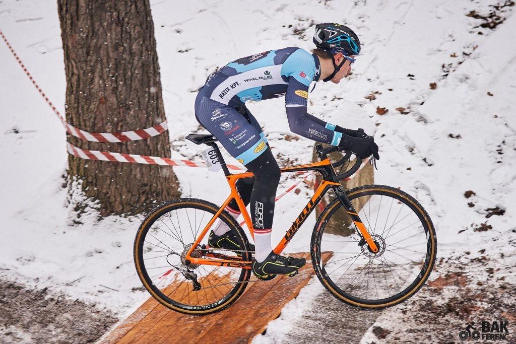 Hatalmas kecskeméti kerékpáros siker: Gohér Mihály nyerte a Cyclocross Magyar Kupát