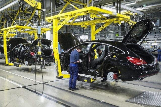 Megkérdezték a Mercedest, hogy növelik-e a túlóraszámot