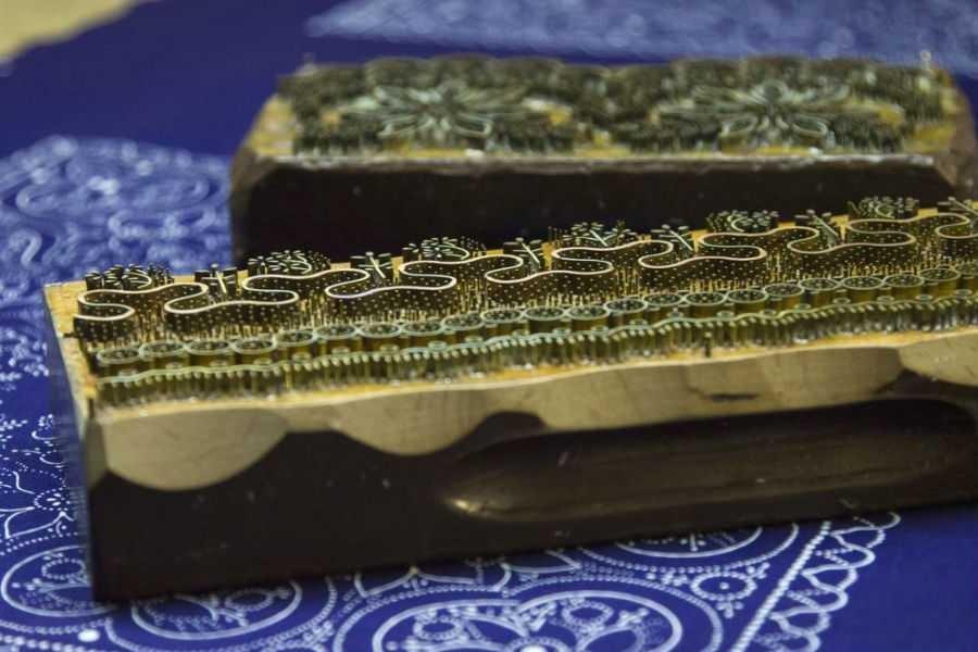Átadták a kékfestést szellemi kulturális örökséggé nyilvánító dokumentumot