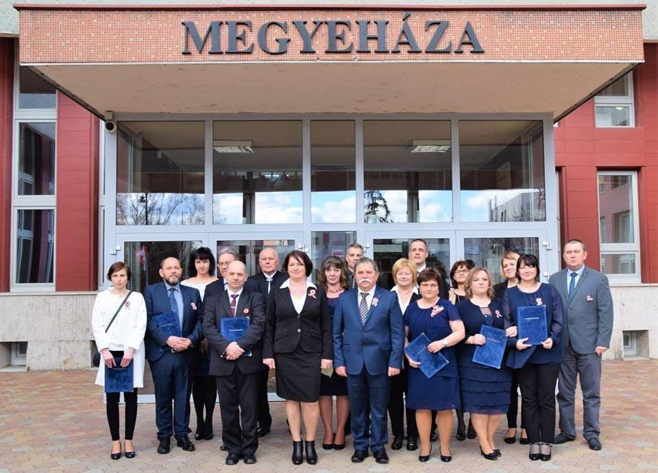 A nemzeti ünnepen kaptak elismerést a Bács-Kiskun Megyei Kormányhivatal munkatársai