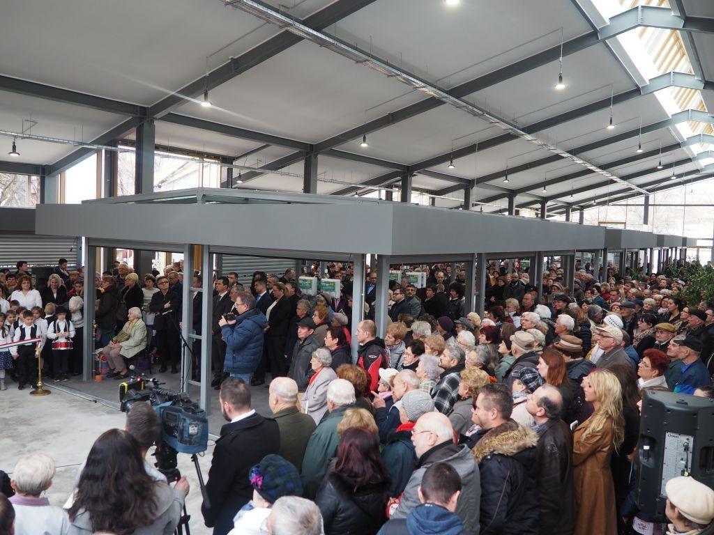 Új piaccsarnokot avattak Nagykőrösön