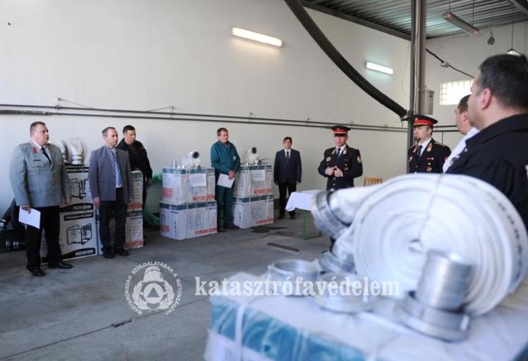 Új eszközökkel bővült a Bács-Kiskun megyei önkéntes mentőszervezetek eszközparkja