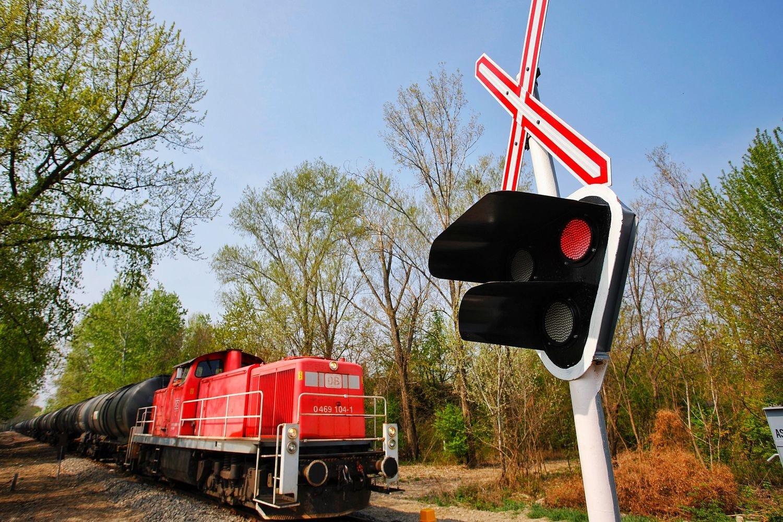 Átadták Kalocsán a Paksi közi vasúti átjáró fénysorompóját