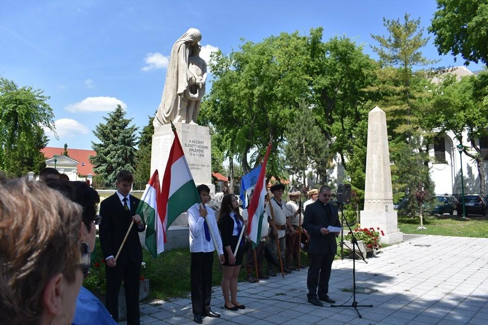 Magyar Hősök Napjára emlékeztek Kiskunhalason