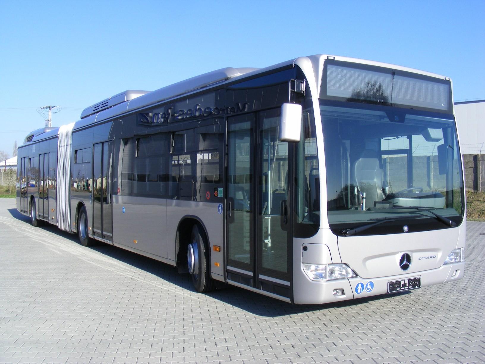Tizenhét új Mercedes-autóbuszt állított forgalomba Kecskeméten a DAKK